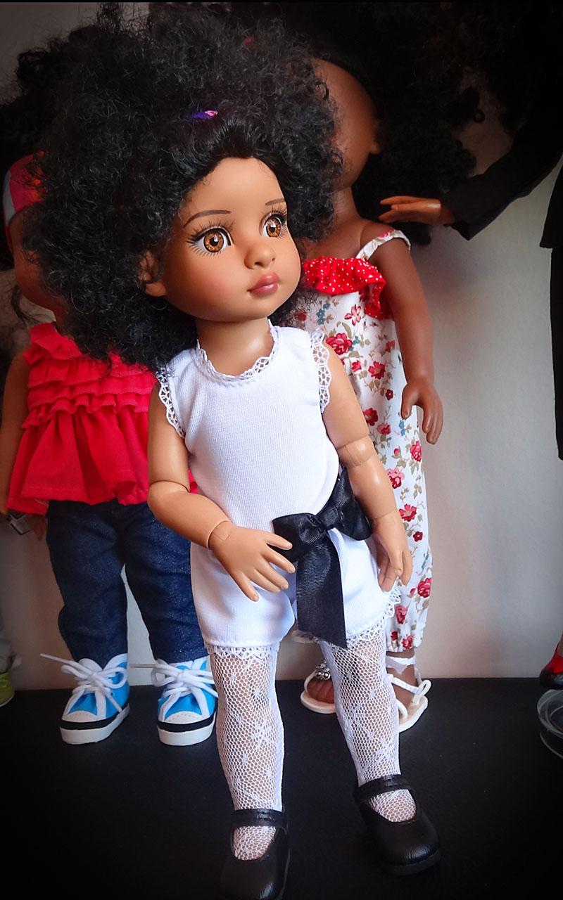 Trixie et mes poupées noires frisées 718