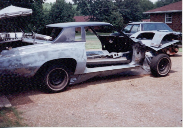 Update :1973 Monte Carlo Body off frame resto Scanne21