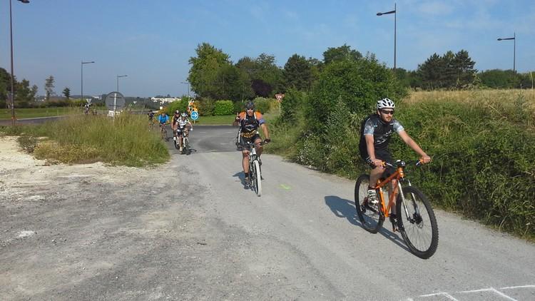St Quentin fête du vélo 22/06/14 - Page 2 20140625