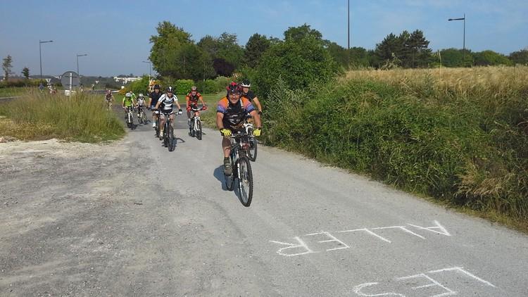 St Quentin fête du vélo 22/06/14 - Page 2 20140628