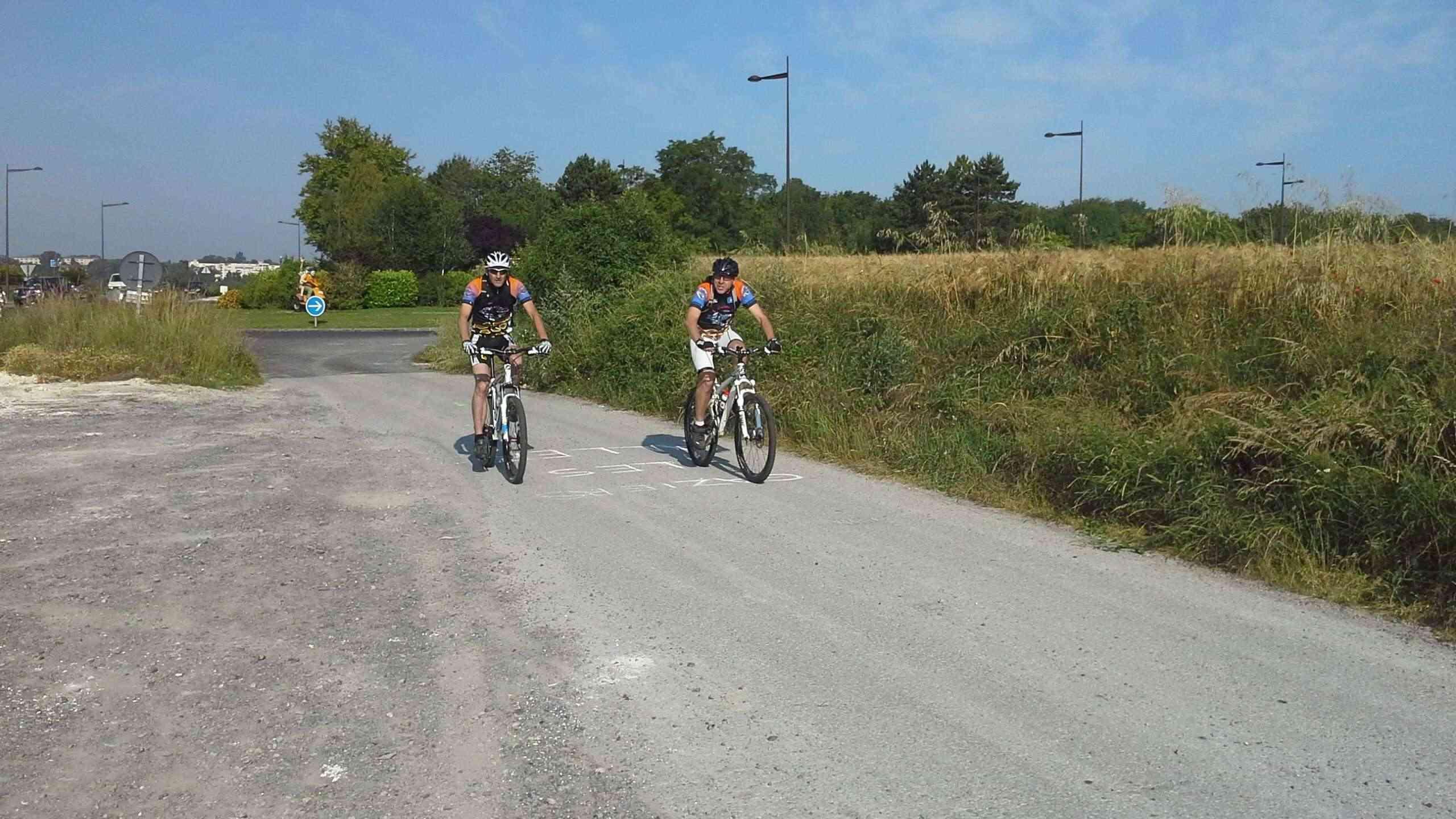 St Quentin fête du vélo 22/06/14 - Page 2 20140633