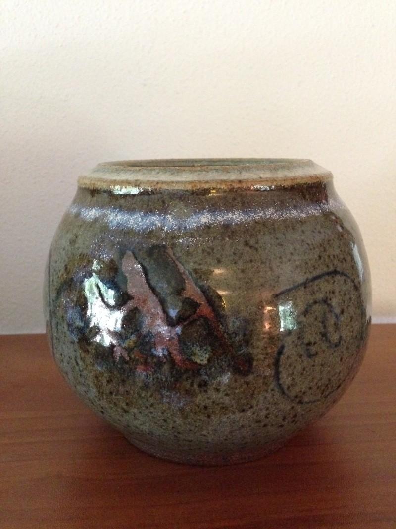 Hourglass? Bowtie? Help ID mark Photo_14