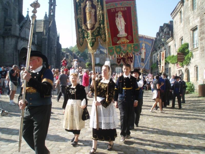costumes à Locronan le 14 juillet 2013 Raduit12