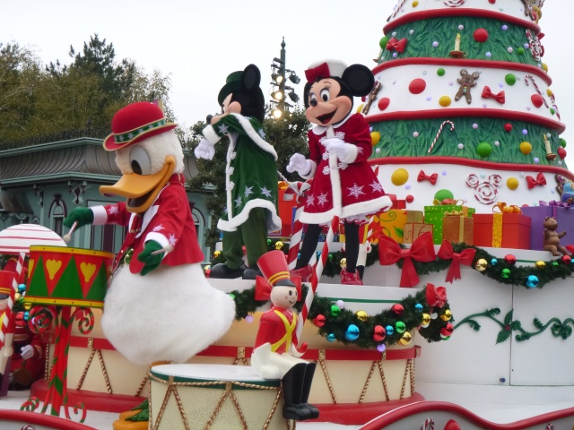 concours photos Walt Disney! Saison1: thème 10: étonnez-moi! (dernier thème avant la saison 2 - Page 7 P1050211