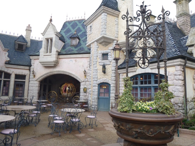 concours photos Walt Disney! Saison1: thème 10: étonnez-moi! (dernier thème avant la saison 2 - Page 8 P1050315
