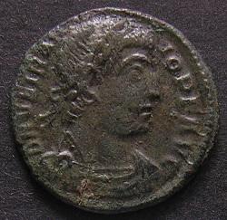 Constantinus I à Marcianus Dscn7251