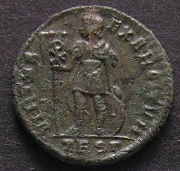 Constantinus I à Marcianus Dscn7252