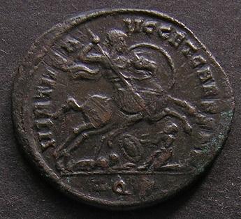 Constantinus I à Marcianus Dscn7511