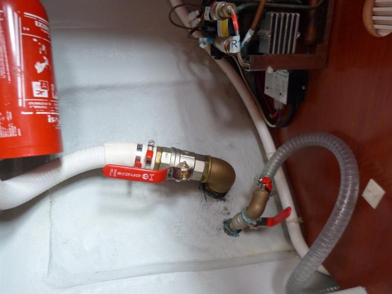Pompe à pied eau de mer OC 393 P1070610
