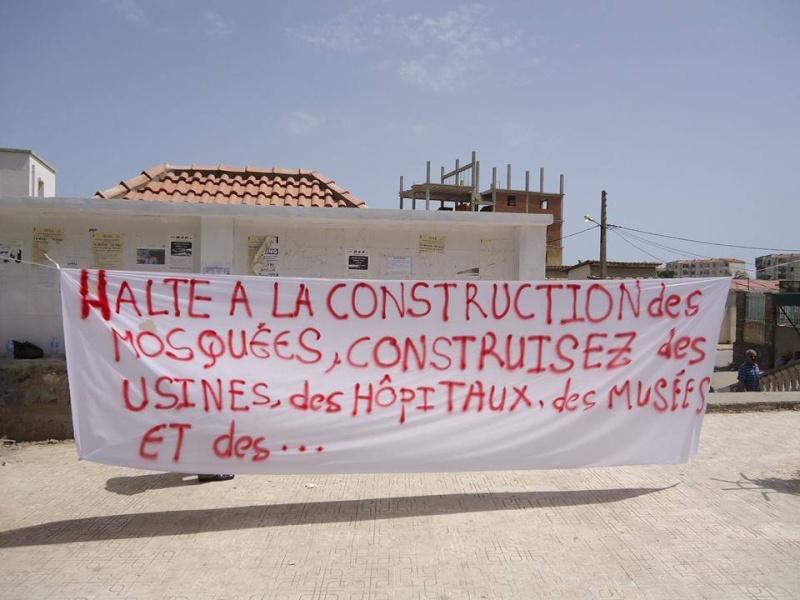 Aokas: Marche contre l'inquisition pour la liberté de conscience 05 Juillet 2014 - Page 2 10520048