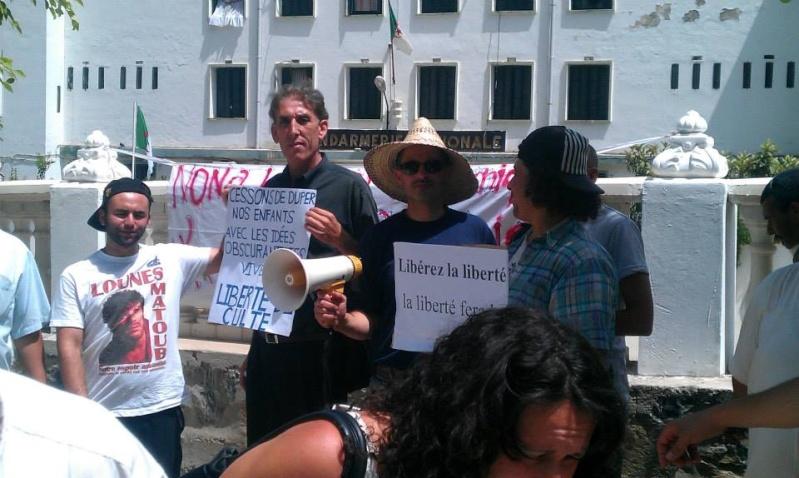 Aokas: Marche contre l'inquisition pour la liberté de conscience 05 Juillet 2014 - Page 8 10520136