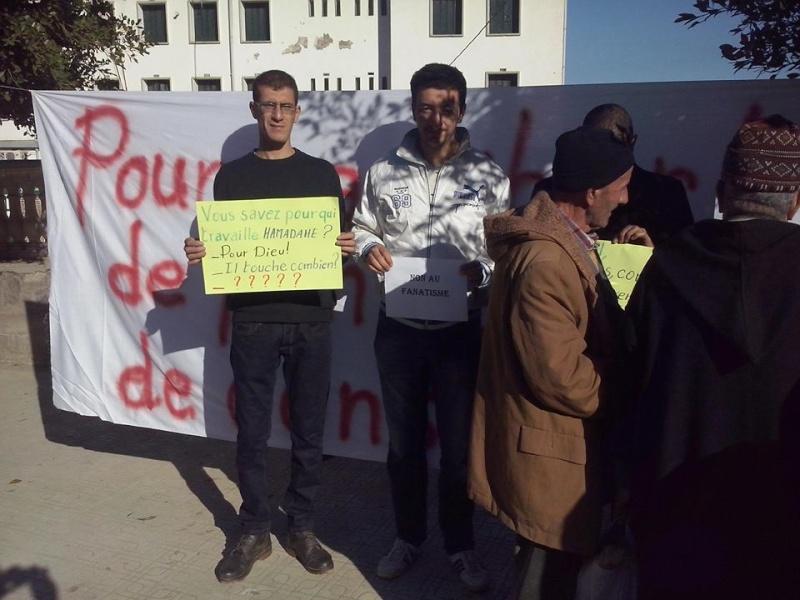 Rassemblement de solidarité avec Kamel Daoud à Aokas mardi 23 decembre 2014 - Page 2 1194