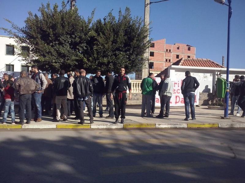Rassemblement de solidarité avec Kamel Daoud à Aokas mardi 23 decembre 2014 - Page 2 1196