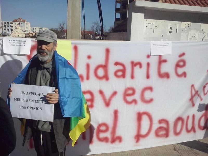 Rassemblement de solidarité avec Kamel Daoud à Aokas mardi 23 decembre 2014 - Page 4 1243