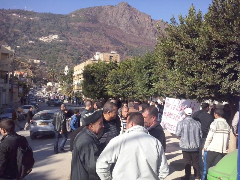 Rassemblement de solidarité avec Kamel Daoud à Aokas mardi 23 decembre 2014 - Page 4 1249
