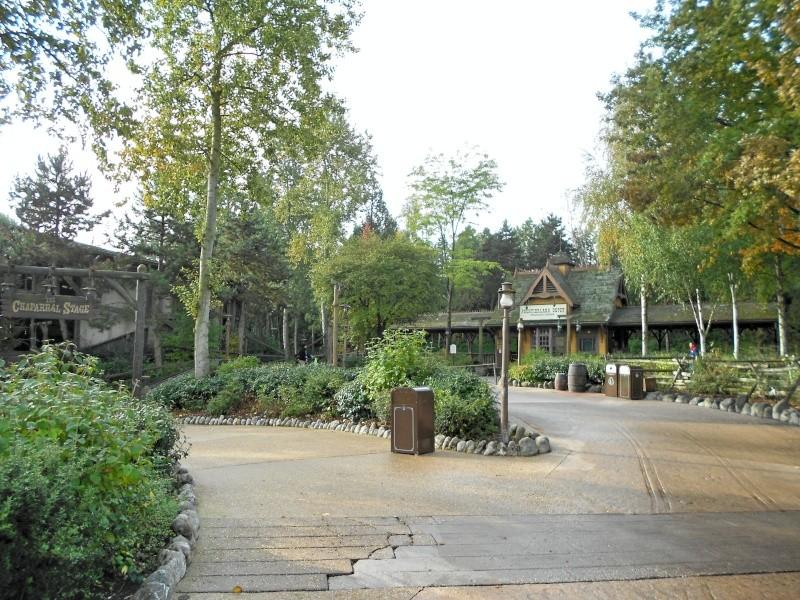 [TR] Séjour surprise pour les 10 ans de Chloé ! Du 13 au 15 Octobre 13 au Sequoia Lodge (FINI) - Page 3 Dscn0251