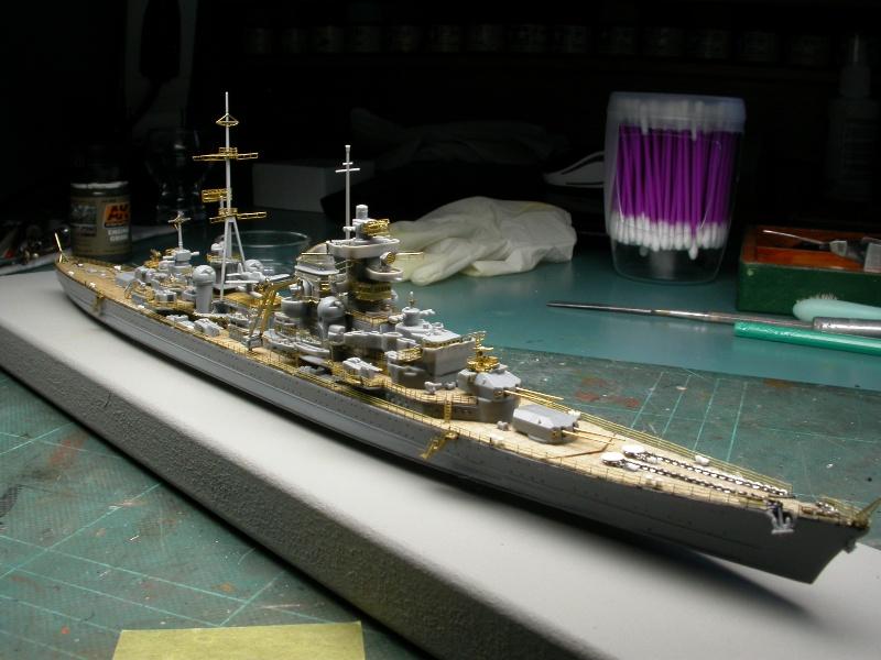 Montage Prinz Eugen au 1/700° Tamiya - Page 2 Dscn5525