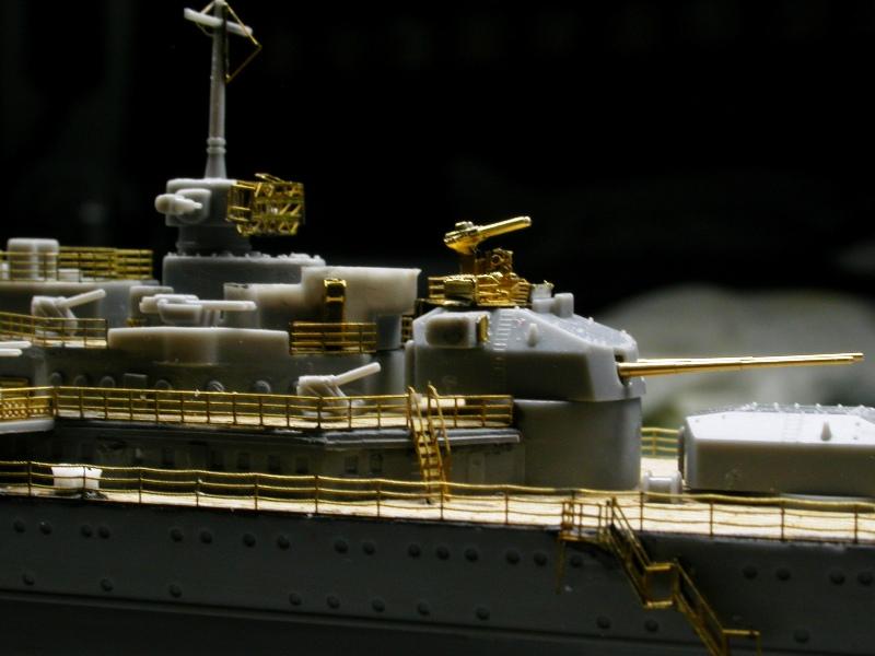Montage Prinz Eugen au 1/700° Tamiya - Page 2 Dscn5529