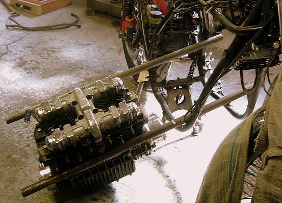 Barres de manipulation moteur Moteur11