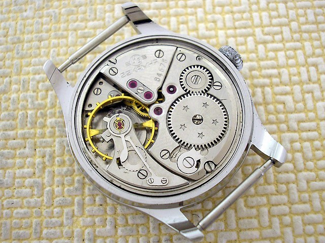 Une montre Volna - Page 2 X7756112