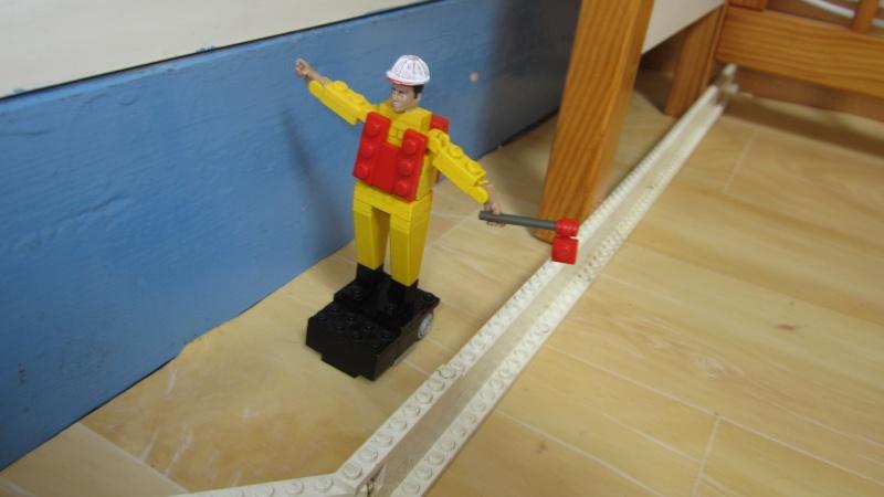 [FINI] Mannequin de chantier en Lego. Img_0611