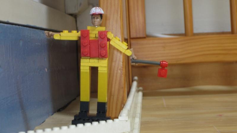 [FINI] Mannequin de chantier en Lego. Img_0613