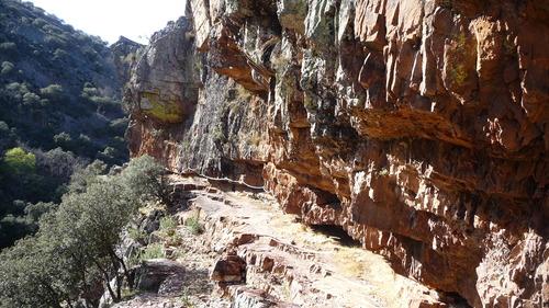 Senderismo: sábado 11 de octubre 2014 - Cascada del Chorro y pico Rocigalgo [CANCELADO] Cornis10