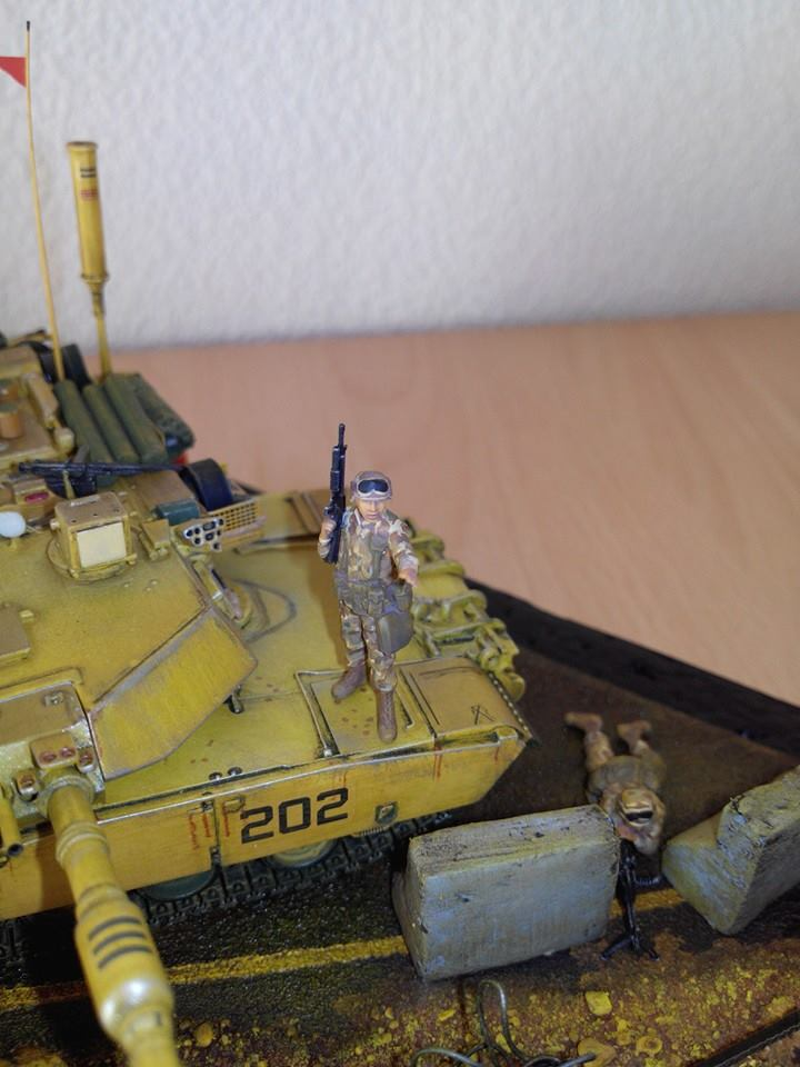 char lourd us.abrams M1 mine roller.1/72 trumpeter. - Page 7 10710910