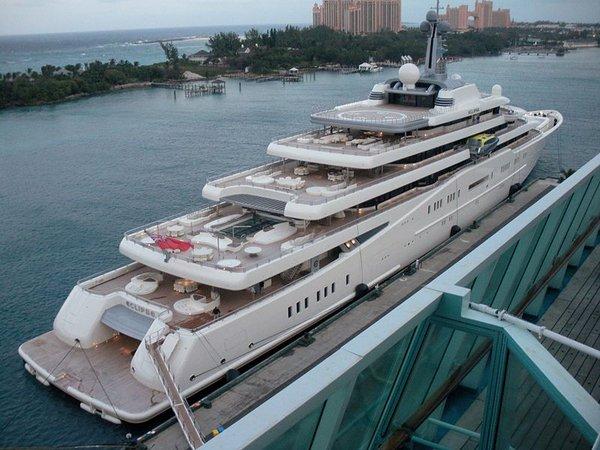 realisation d'un yacht en bois .ech:1/500. Eclips10