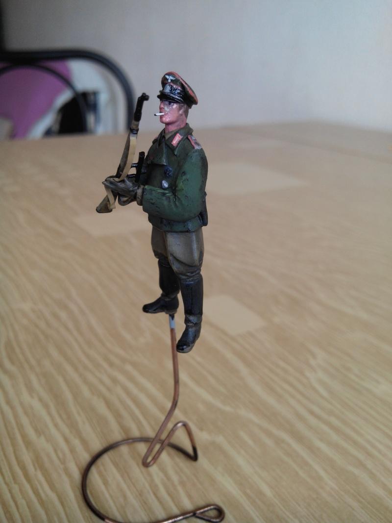 officier heer.1/35.resine adv - Page 2 Img_2395