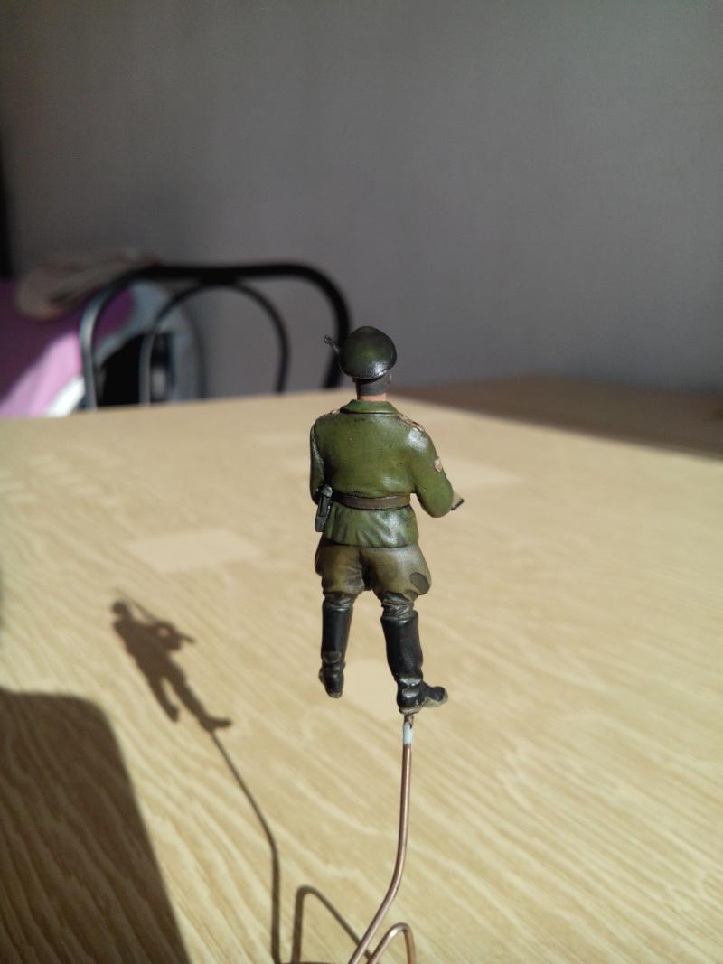 officier heer.1/35.resine adv - Page 2 Img_2400