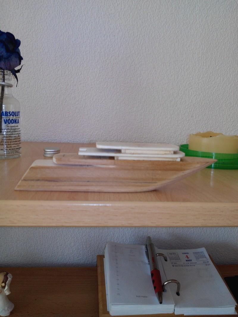 realisation d'un yacht en bois .ech:1/500. Img_2446