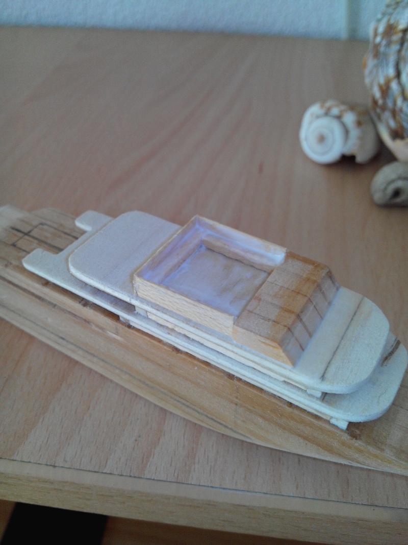 realisation d'un yacht en bois .ech:1/500. Img_2450