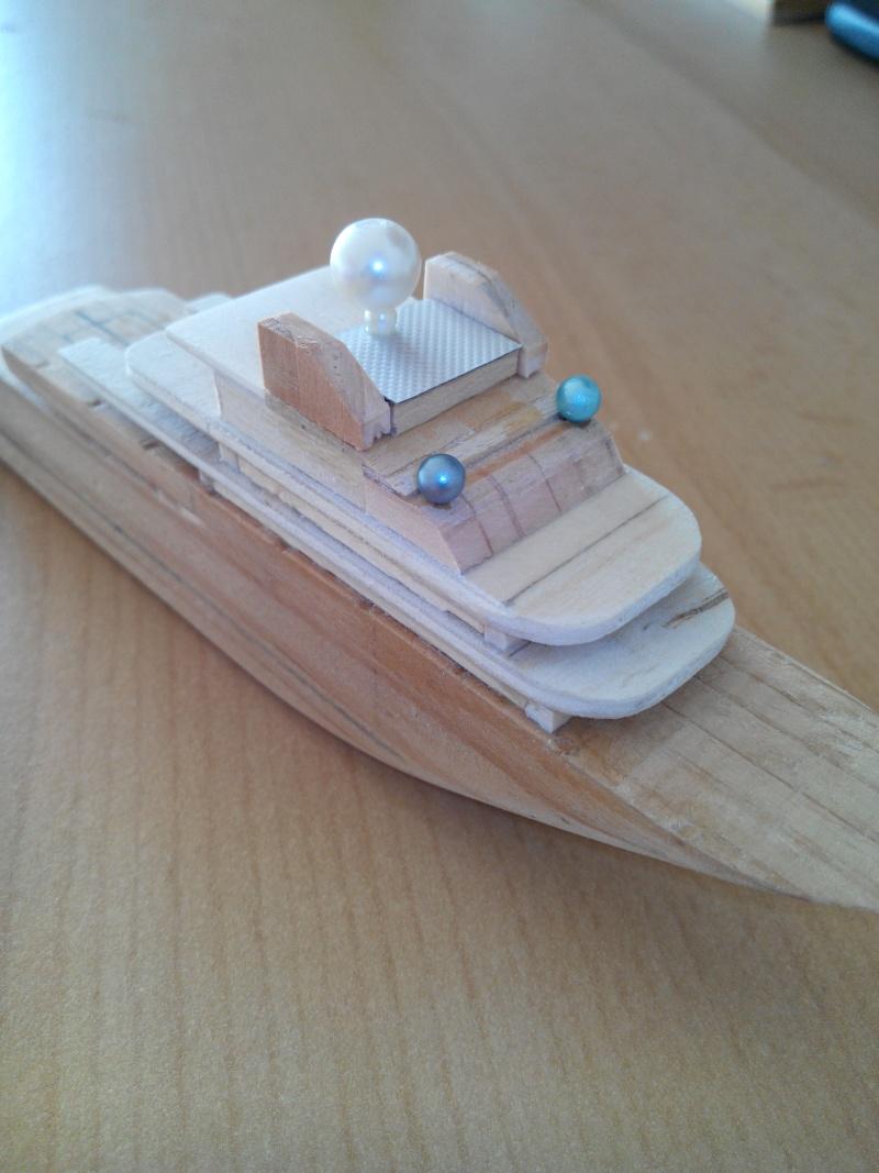 realisation d'un yacht en bois .ech:1/500. Img_2454
