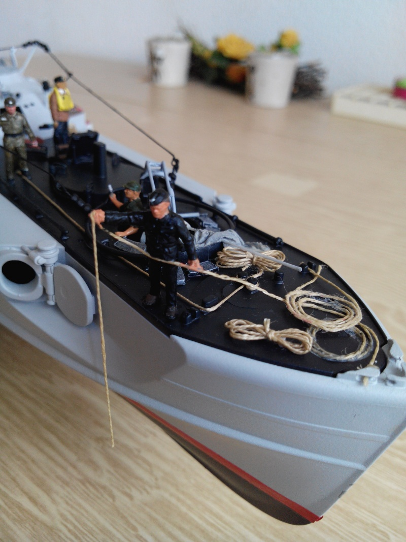schnellboot S-100.maquette plastique REVELL au 1/72+ equipage. - Page 4 Img_2583