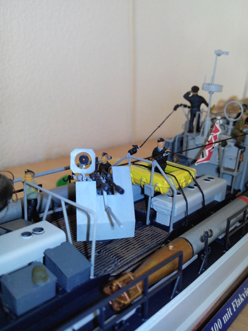 schnellboot S-100.maquette plastique REVELL au 1/72+ equipage. - Page 6 Img_2625