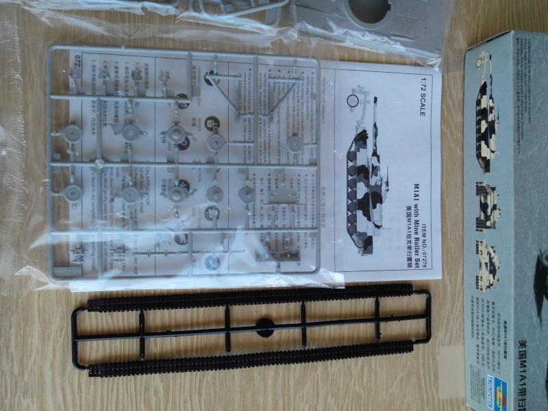 char lourd us.abrams M1 mine roller.1/72 trumpeter. Img_2797