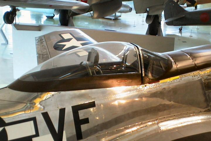 Heller P-51D mustang 1/72 Walkar10