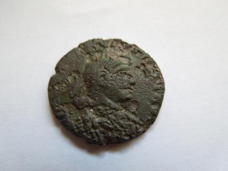 nummus de Valentinien II Dscn3114