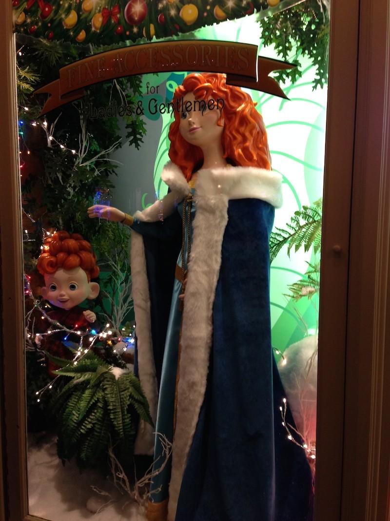 Séjour au Sequoia Lodge du 29 Décembre 2013 au 3 Janvier 2014 - Réveillon à Disneyland Paris !  Terminé le 12 Novembre! - Page 5 Img_4711