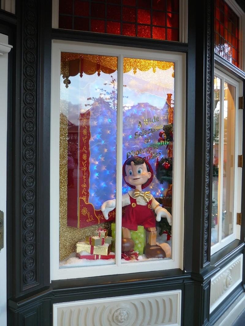 Séjour au Sequoia Lodge du 29 Décembre 2013 au 3 Janvier 2014 - Réveillon à Disneyland Paris !  Terminé le 12 Novembre! - Page 5 P1080614