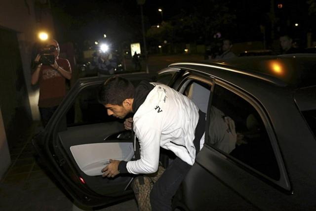 """15 JULIO 2014 """"PRIMER ENTRENO DEL FC BARCELONA"""" PORTADAS DIARIOS DEPORTIVOS CATALANES """"LUIS SUAREZ YA ESTA EN BARCELONA"""" Suarez11"""