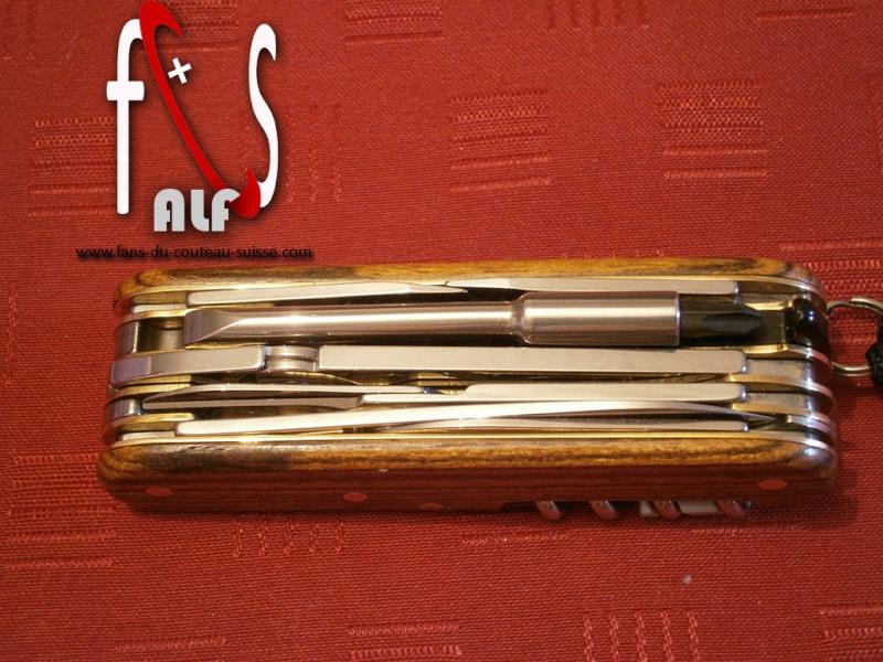 alfection les couteaux suisses  !!! - Page 2 Cybert12