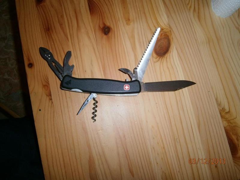 alfection les couteaux suisses  !!! Pc030010