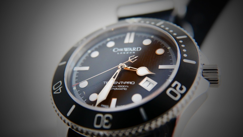ward - Christopher Ward C60/61 Trident indisponible ? Triden10