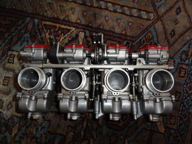 Carburateur Mikuni Dsc01910