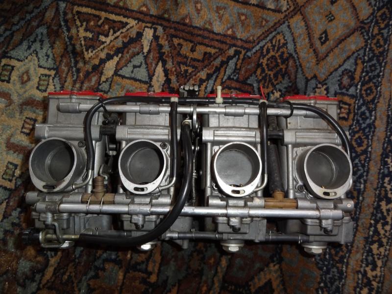 Carburateur Mikuni Dsc01912