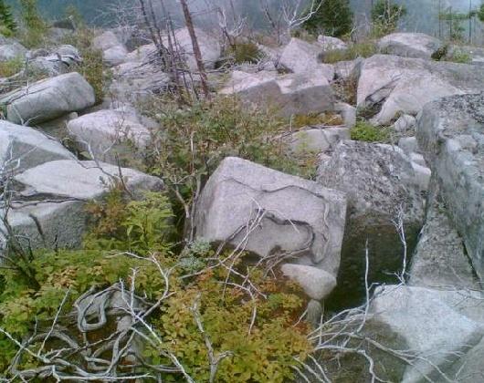 Les mégalithes du mont Pidan - Russie - Eurasie Sans_t19