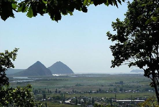 Les mégalithes du mont Pidan - Russie - Eurasie Sans_t20