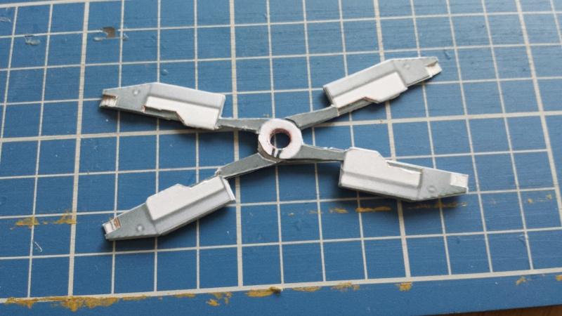 Versuch Nr.2 an einem Modell von UHU 02 01310
